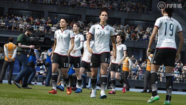 Aufmarsch der deutschen Damennationalmannschaft: Erstmals spielt Frauenfußball auch in Fifa eine Rolle.