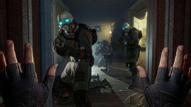 Hände Hoch in VR: Half-Life: Alyx bringt Combine und die namensgebende Alyx Vance zurück.