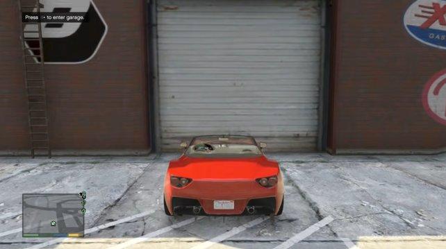 Drückt die angezeigte Taste, um Autos in einer Garage dauerhaft zu speichern.