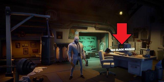 Auf dem Schreibtisch in Brutus' Zimmer findet ihr den großen schwarzen Filzstift für Woche 6.