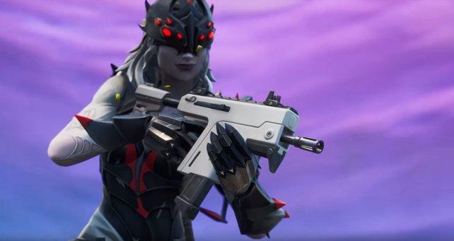 Die neueste Waffe im Aufgebot: die Salvenmaschinenpistole.