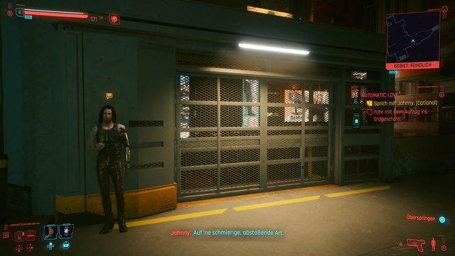 Bevor ihr das H8-Gebäude über den Fahrstuhl verlasst, könnt ihr euch noch einmal mit Johnny unterhalten.