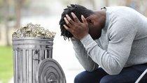 Mutter wirft 500.000 Dollar-Schatz weg