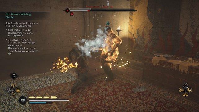 Sind keine Feuerschalen mehr übrig, könnt ihr eure Waffen selbst entzünden, um Charles zu schwächen.