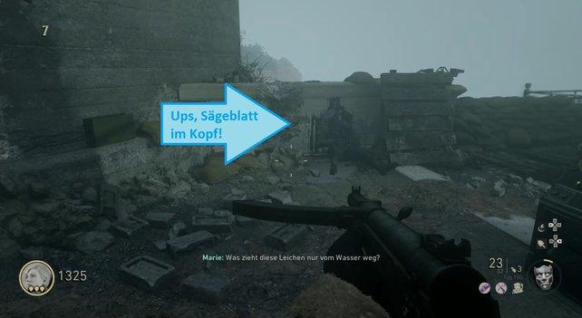 """Eine funktionstüchtige Säge benötigt ein Sägeblatt. Das entnehmt ihr der Leiche im Bereich """"Bunker 3"""", die hier an der Wand angelehnt liegt."""