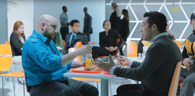 Das gelbe Symbol oben rechts zeigt euch, welche Szene neu in der Episode ist, nachdem ihr eine Quantenwelle gefunden habt.