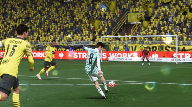 Wir zeigen euch die effektivsten Schusstechniken in FIFA 22, damit ihr viele Tore schießen könnt.