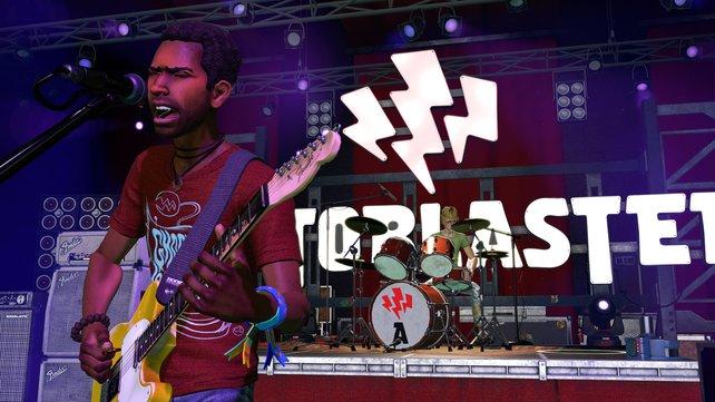 In Rock Band VR erlebt ihr das Geschehen aus der Ego-Perspektive und könnt euch auf der Bühne nach Belieben umschauen.