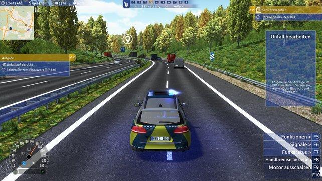 Tatü-Tata! Aus dem Weg, die Polizei muss zum nächsten Unfall oder zum Feierabend pünktlich zu Hause sein!