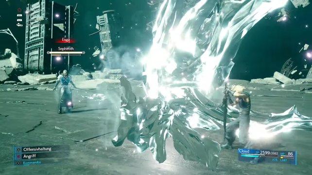 Sephiroth kämpft ähnlich wie ihr und selbst seinerseits ebenfalls Feuer- und Eis-Magie gegen euch ein.
