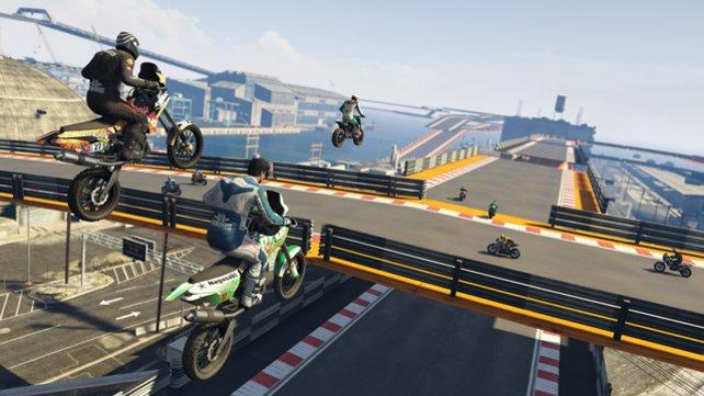 Es gibt auch Motorrad-Stuntrennen!