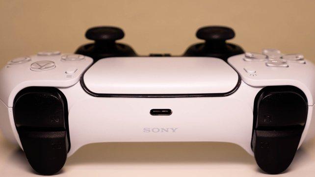 Wo die PS5 bestellen? Wir sagen euch alles Wichtige zu Verfügbarkeit und Preis der Konsole.