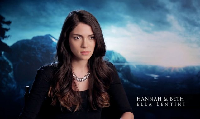 Ihr seht nicht doppelt: Ella Lentini spielt die Zwillinge Hannah und Beth (Quelle: Supermassive Games)