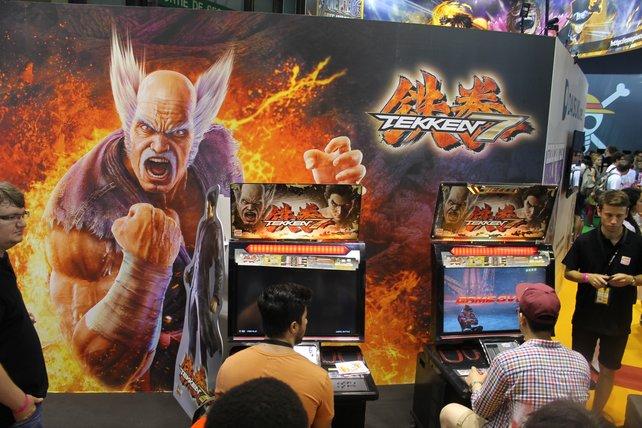 Der Tekken-Stand auf der Japan Expo Paris. Gut zu erkennen: Heihachi Mishima, der schon seit dem ersten Tekken-Spiel dabei ist.