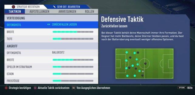 Weit zurückgezogen im eigenen Feld. So spielen wir sehr defensiv in FIFA 19.