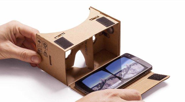 Verrückt: Google Cardboard besteht aus einem gefalteten Pappkarton und einem Smartphone.
