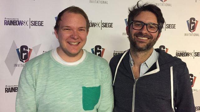 spieletipps-Redakteur Jens-Magnus hat vom Brand Director Alexandre Remy (re.) viele neue Details erfahren.