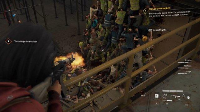 Die Zombies purzeln einer nach dem anderen hinab, wenn ihr die Basis mit Kugeln füttert.
