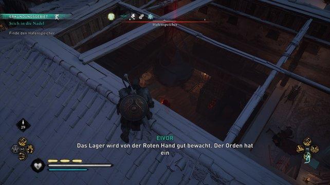 Übers Dach könnt ihr in den Hafenspeicher einsteigen. Dabei könnt ihr die hiesige Wache sehr kreativ ausschalten.