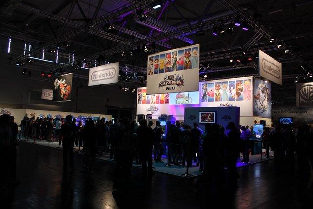 Im blau angehauchten Stand zockt ihr Neuigkeiten für Wii U und 3DS.