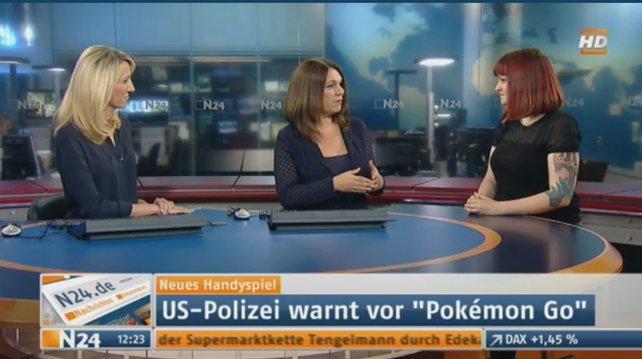 Selbst Nachrichtensender N24 berichtet im Fernsehen über Pokémon Go. Das Experten-Pokémon rechts heißt Kristin und arbeitet bei GIGA GAMES.