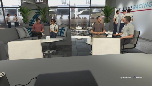 Im Fahrerlager in F1 2016 sprechen euch Kollegen an, während ihr am Laptop die weitere Karriere plant.