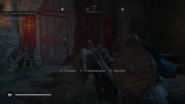 Mit der Ramme müsst ihr auch bei dieser Belagerung zwei Tore durchbrechen. Passt auf, dass eure Kameraden nicht getötet werden.