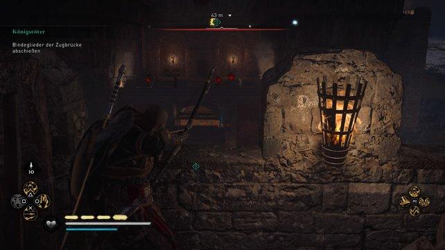 Um die Zugbrücke herunterzulassen, müsst ihr die Mauer vorm Graben erklimmen und von hier aus die Bindeglieder zerschießen.