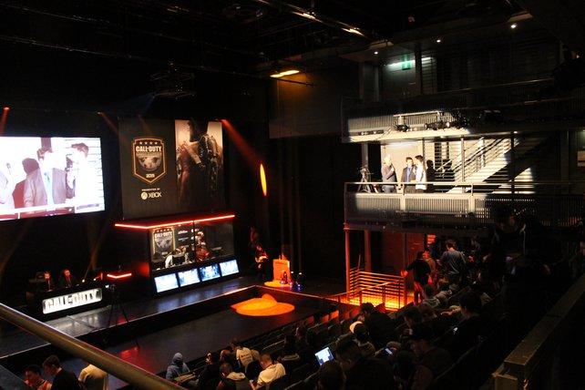 Live-Kommentierung und professionelle Spielanalysen gehören zu einer Meisterschaft einfach dazu.