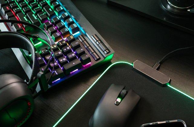 Black Friday 2021: So könnt ihr euch auf die Gaming-Deals vorbereiten. (Bildquelle: EKKAPHAN CHIMPALEE, Getty Images)