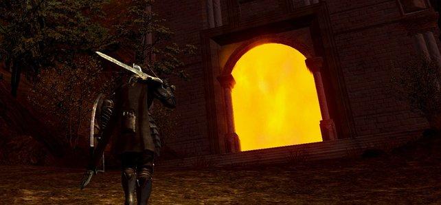 Die leuchtenden Nebelwände in Anor Londo, den Dämonenruinen und im Grabmal der Riesen könnt ihr erst durchschreiten, wenn ihr die Bosse in Anor Londo bezwungen habt.