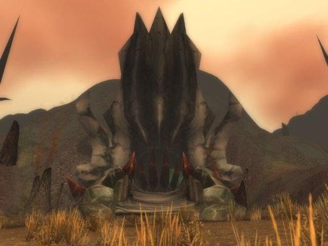 """Der Eingang zu Onyxias Hort öffnet sich für euch nur dann, wenn ihr ein """"Drachenfeueramulett"""" besitzt."""