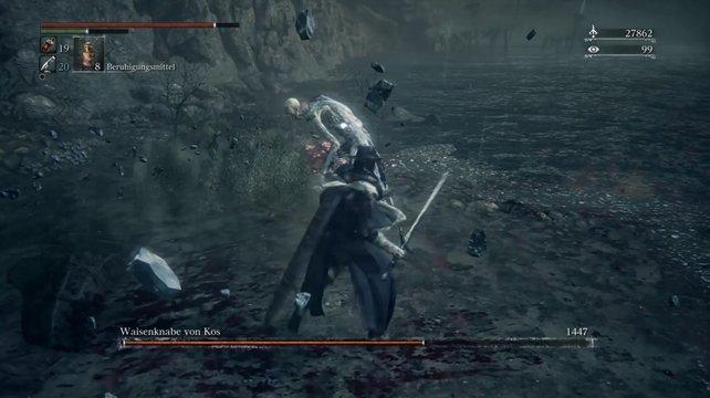Bleibt immer direkt am Boss dran und fallt ihm, nach seinen Attacken, in die Seite.