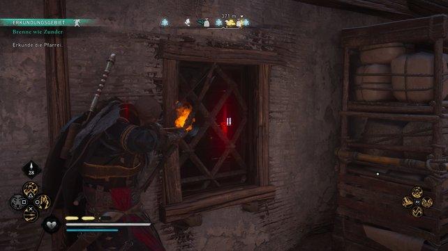 Um ins Haus eindringen zu können, müsst ihr hinten das Regal verschieben und dann durch das Fenster den Riegel zerschießen.