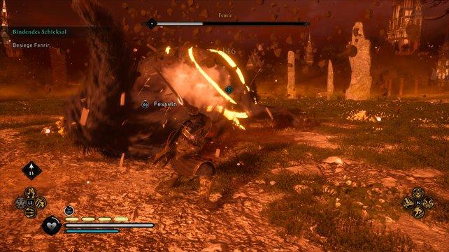 Nach Fenrirs Angriffen in Phase 2 müsst ihr in die Offensive gehen ihn und mit Nahkampfangriffen attackieren.