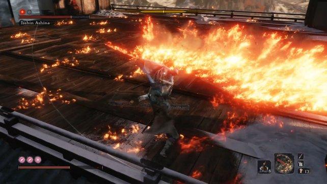 Für den Fall, dass ihr in Brand geratet, solltet ihr euch mit Löschpuder und der roten Kürbisflasche ausrüsten.