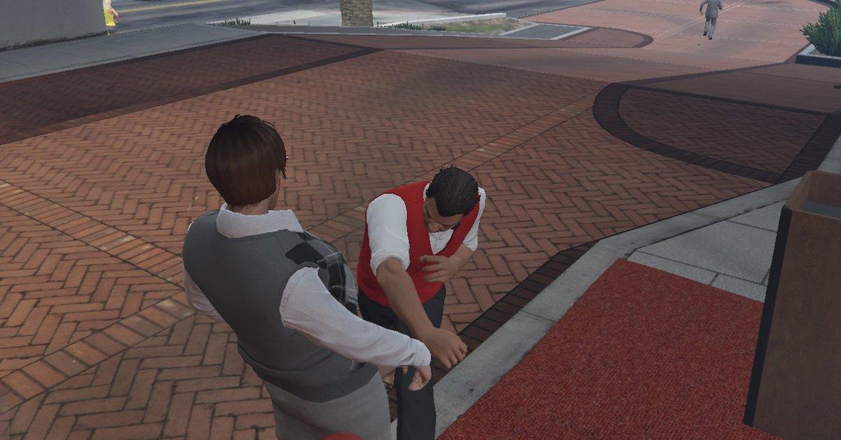 GTA Online - Spieler misshandeln einen armen Casino-Angestellten