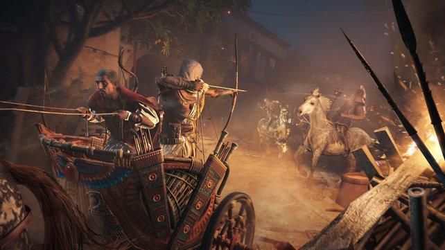 Auch vom Rücken eures treuen Reittiers aus könnt ihr den Bogen spannen oder ihr stehlt den Römern einen ihrer Streitwägen.