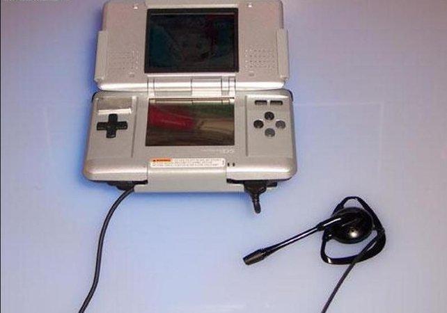 Es gibt sogar eine offizielle Erweiterung, die den DS zu einem Telefon macht. Anrufen könnt ihr aber nur andere DS-Geräte.