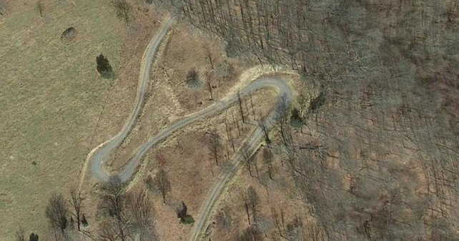Ist das ein Hinweis auf GTA 6? Von oben betrachtet ist die Ähnlichkeit zur VI zu erkennen. (Bildquelle: Google Maps.)