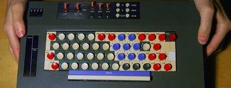 Panorama: Dieser Typ besitzt über 600 Tastaturen