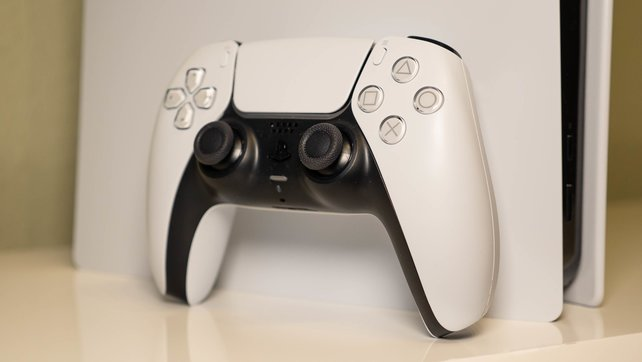 Das ist er, der neue Controller der PS5: der DualSense im schwarzweißen Design.