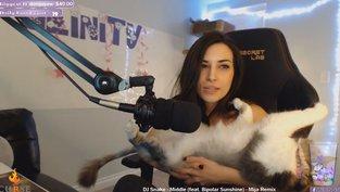 Wegen Tiermisshandlung wollen User Streamerin bannen lassen