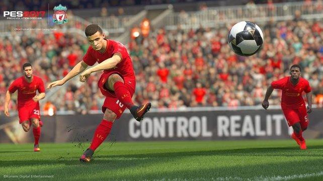 Der FC Liverpool gehört zu den Mannschaften die komplett in PES 2017 enthalten sind.