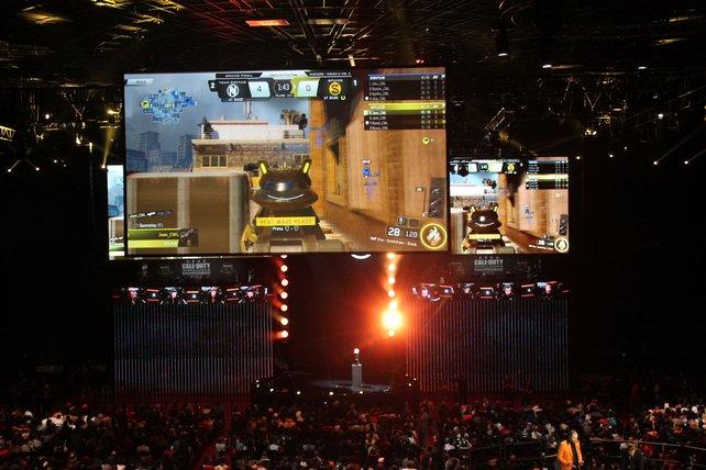 Die Spiele wurden in der Arena auf drei risiegen Bildschirmen gezeigt.