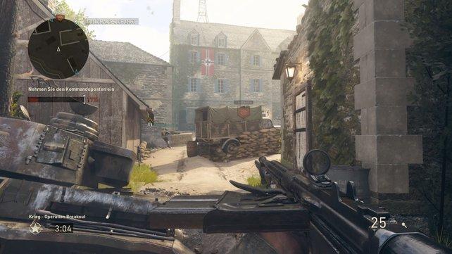 Im hochmotivierenden Krieg-Modus erledigt der Spieler mit elf Kameraden mal als Angreifer, mal als Verteidiger aufeinander aufbauende Teilziele (wie die Einnahme bzw. Verteidigung eines Kommandopostens).