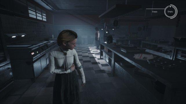 """In Remothered: Broken Porcelain wird Jennifer von dem unheimlichen Personal des """"Ashman Inn""""-Hotels gejagt. Quasi wie Shining, nur als Videospiel."""
