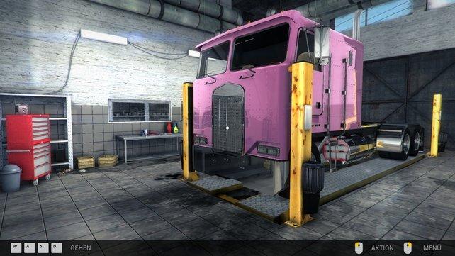 Was mag an diesem rosa Truck wohl kaputt sein? Höchstwahrscheinlich die Farbe!