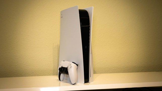 Gesund für jede Konsole: Nicht nur die PS5 von Sony sollte am besten frei auf einem Regal stehen.