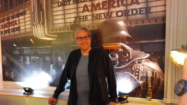 Andreas Öjerfors, Senior Gameplay Designer bei Machine Games, präsentiert in Frankfurt bei Bethesda Wolfenstein 2 - The New Colossus.